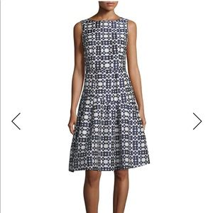 NWT Teri Jon Navy And Cream Daisy Dress
